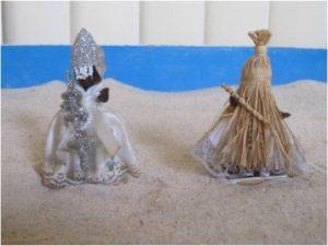 Figuras de Oxalufã (esquerda) e Obaluaiê (direita). Foto: acervo pessoal, MLY.